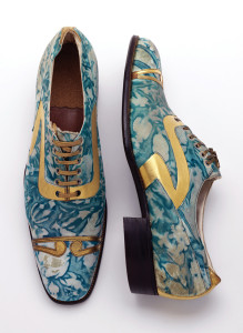 Mens' shoes, gilded and marbled leather, Northamptonshire, England, 1925. © Victoria and Albert Museum, London